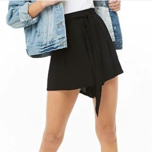 Black tie front high waisted shorts
